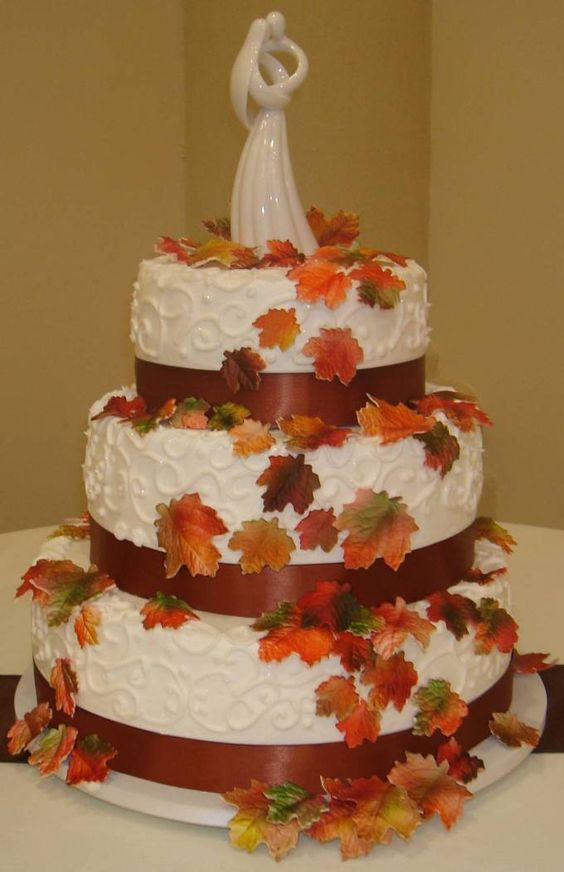 fall leaves wedding cakes
