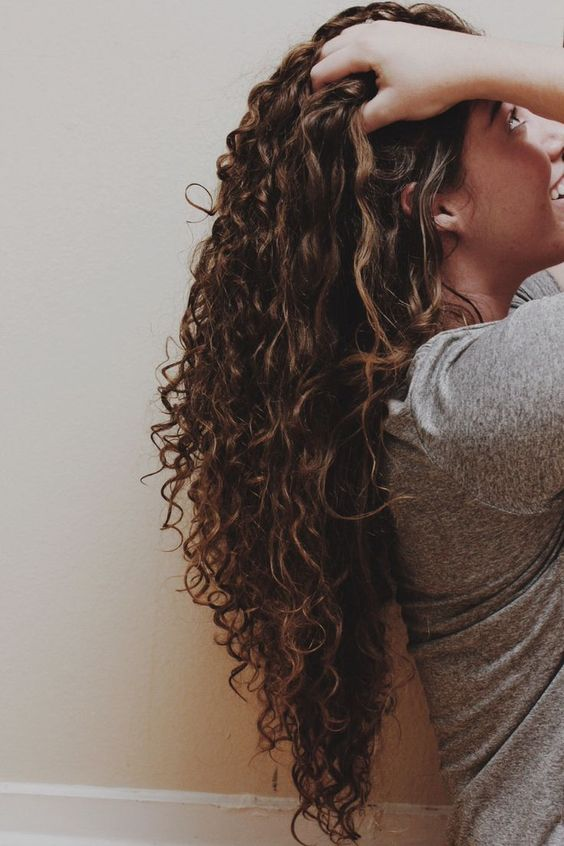 I want my hair to look like this. Length, curls, cut, everything!