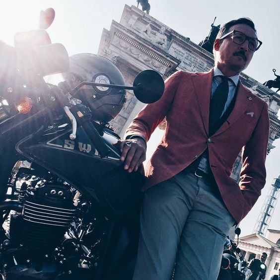 gwd:    Backstage of this morning shooting with @ferro_magazine ft Mr @fabrizio.oriani Founder and Editor in chief of GWD just before @gentlemansride   more here: http://bit.ly/StyledByGWD    GWD  Your daily inspiration reference for Mens lifestyle