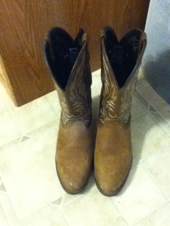 Awesome brown boots!!:)