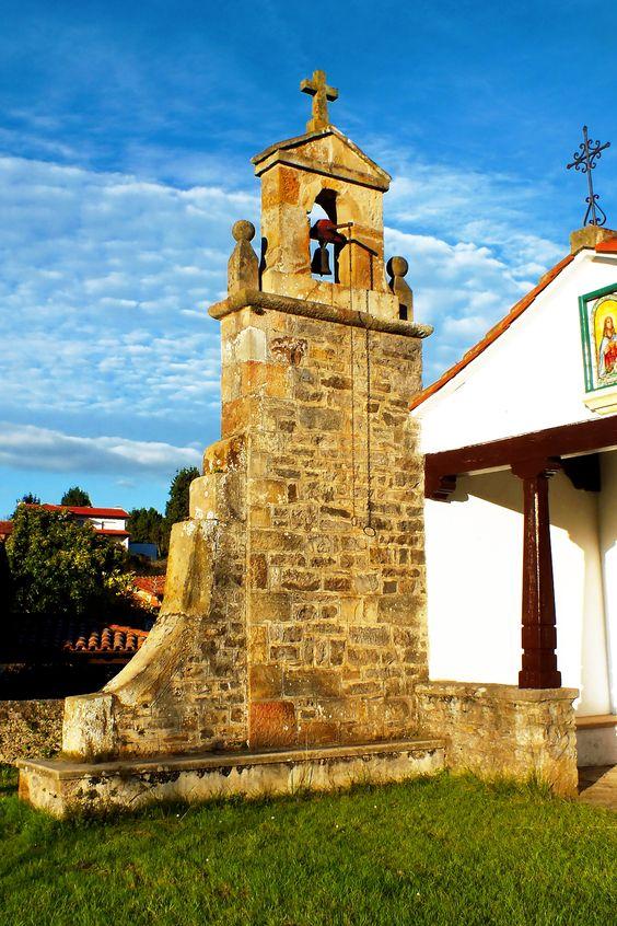 Campanario de la capilla de Santa Lucía de Coceña. Coceña, Concejo de Colunga. Principado de Asturias. Spain. [By Valentin Enrique].