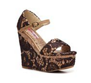 Lace + Wedge = Spring must have
