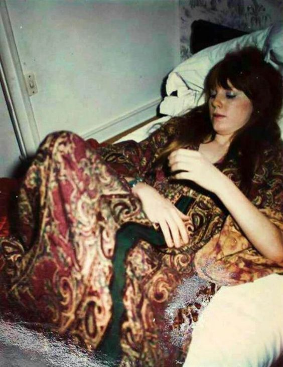 Pamela Courson | Let the Cool Goddess Rust Away ...