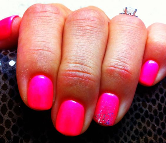 Why Does Neon Nail Polish Chip: Graduated Glitter Accent Nail With Neon Barbie Pink Polish
