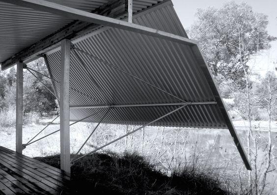tUG   _PETITE   architecture engineering materials