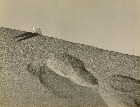 c.1938 .   Collection of J.P.Getty Museum.  Kansuke Yamamoto, ©Toshio Yamamoto. 山本悍右 昭和13年頃  CNN article, http://cnnphotos.blogs.cnn.com/2013/05/06/a-surreal-take-on-20th-century-japan