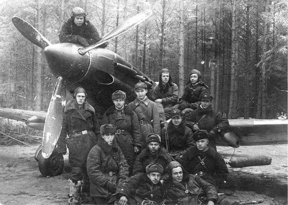 pra-vda:  A Soviet Mig-3 and its entourage.