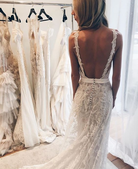 beautiful elegant open back lace wedding dress