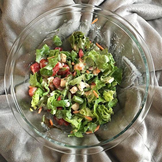 Power salad!! #eatclean #eatwell #organic #lean #tone #gymlife #summerfit #summerstrong #summerabs #summerstrand #lettuce #salad #paleo #nomnomnom #eatsmart #eat #food #homemade by angel_song_chihuahua