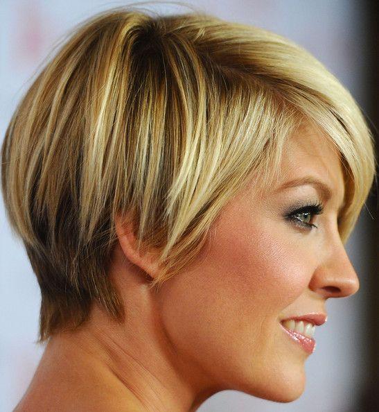 Jenna Elfman short hair - dark underneath with golden blonde highlights.