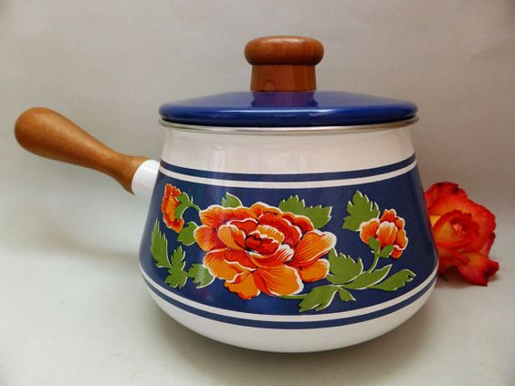 Hey, I found this really awesome Etsy listing at https://www.etsy.com/listing/209955682/vintage-enamel-saucepan-with-wooden