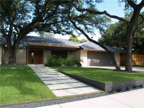 modern monochromatic landscape in Austin, TX