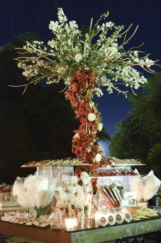 Mesa de dulces para bodas extravagantes / Flamboyant candy bar #Wedding #Boda #Hacienda #Yucatán