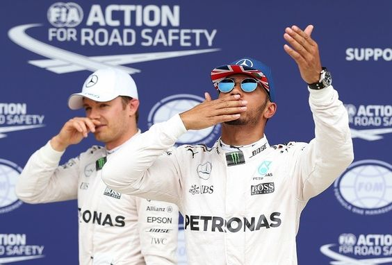 Lewis Hamilton e Nico Rosberg após o treino classificatório na Inglaterra 2016