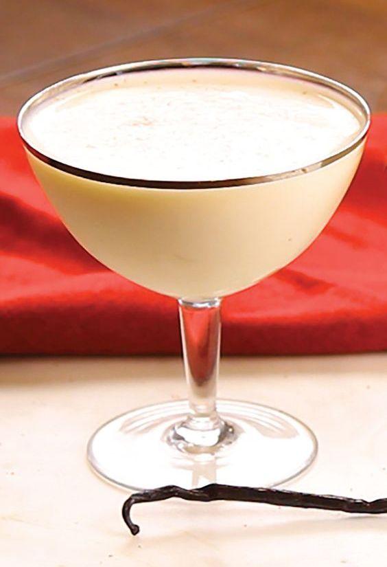 Tres Leches Martini Cream Evaporated Milk Condensed Milk Coconut Rum Vanilla Vodka Cinnamon Vodka Cocktails Rum Drinks Vanilla Rum