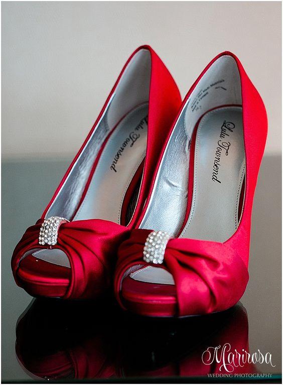 red wedding shoes www.photographybymarirosa.com