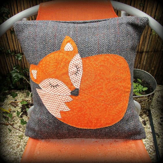 Snoozy fox cushion, snoozy fox pillow Rokak, Parnak es Etsy