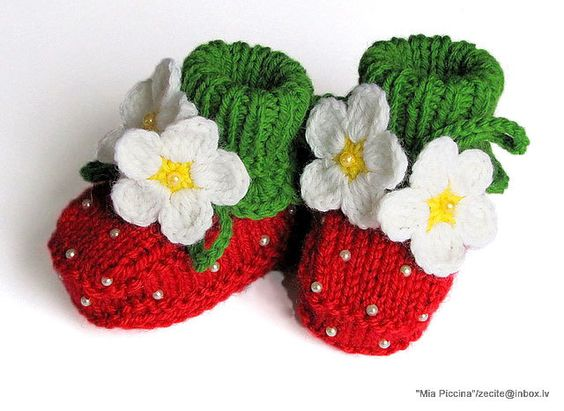 Baby booties Red Strawberry - OMG!