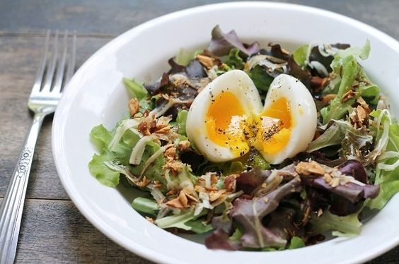 Breakfast Salad – Soft Poached Egg, Aged Cheddar and Balsamic