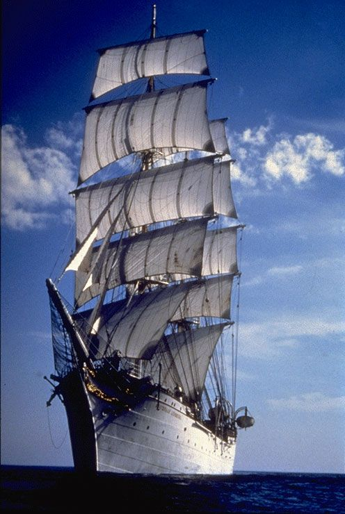 hnoms-statsraad-lehmkuhl.....I can't pronounce it, but walker would love the big ships