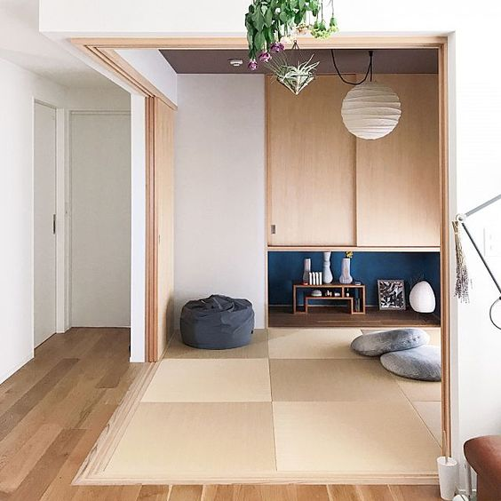 2LDKで、家族の、い草/琉球畳/和室/リビングつながりの和室/畳の部屋/部屋全体についてのインテリア実例。 「リビングからつながっ...」 (2019-05-20 18:57:48に共有されました)
