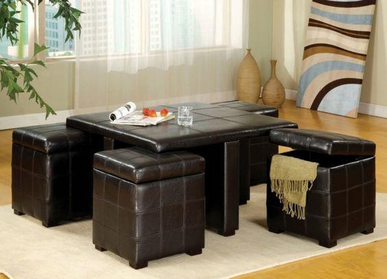 table basse en cuir et poufs capitonnés assortis avec rangement