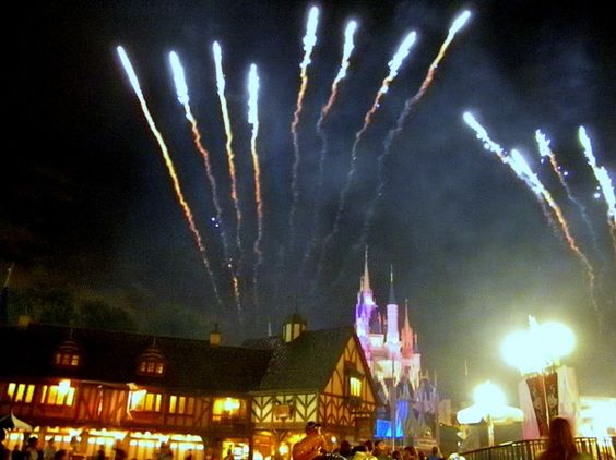 What You Should Know About Disney World's Extra Magic Hours (article)