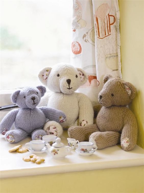 Free Knitting Pattern For Teddy Bear Sweater : Bears, Knitting and Teddy bears on Pinterest