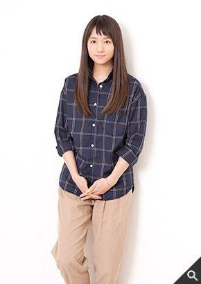 チェックシャツが似合っている木村文乃さん