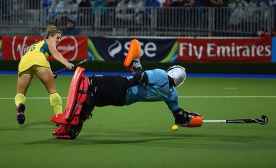 Maddie Hinch saving a shot from Australia in the Glasgow Commonwealth Games