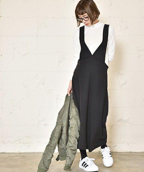 【ZOZOTOWN】coca(コカ)のジャンパースカート「ほんのり裏起毛深Vネックジャンパースカート」(02-161101000-14)を購入できます。