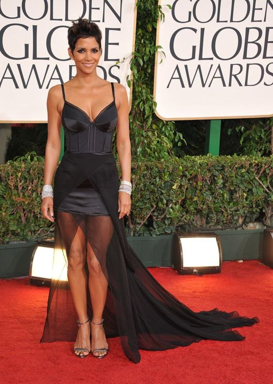 Yep, this outfit puts Halle Berry in with the people of Walmart IMHO.