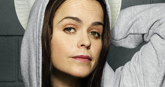 'Orange Is the New Black' Star Taryn Manning Accused of Brutal Attack -- Makeup artist Holly Hartman petitions for a restraining order against boss Taryn Manning after being allegedly attacked by the actress. -- http://tvweb.com/news/orange-new-black-taryn-manning-makeup-artist-attack/