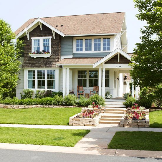 Planters cute house and front porches on pinterest for Photos of cute houses