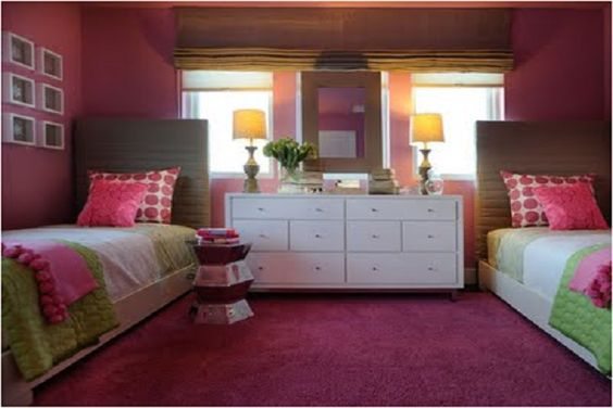 how to arrange a bedroom with two beds