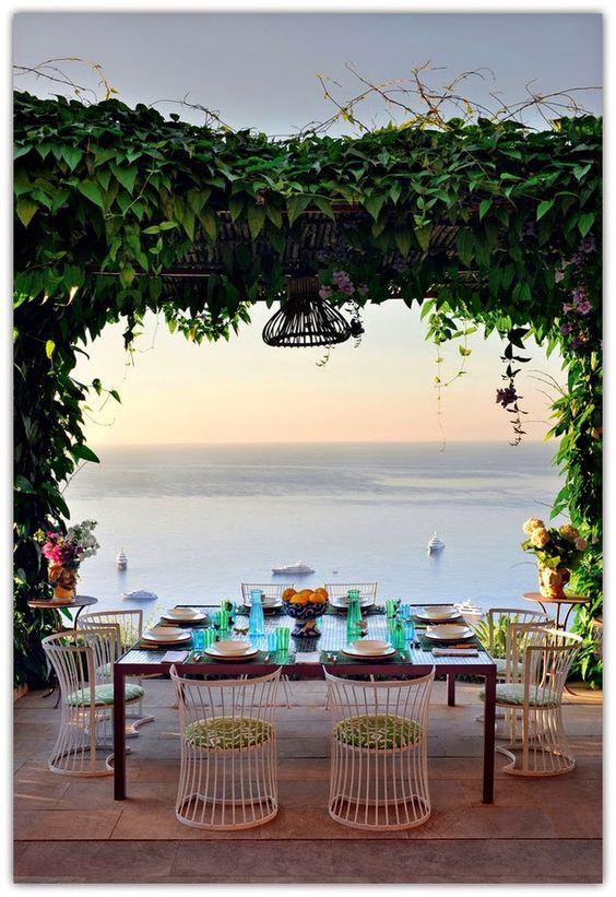 Art Symphony: A chic house in Capri