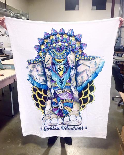 Positive Vibrations Blanket