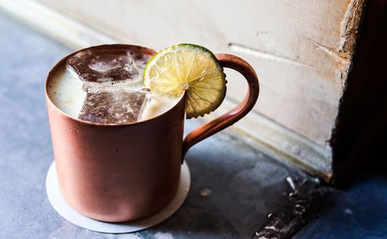 Moscow Mule cocktail recipe | Photo: Ed Anderson | vodka, lime juice, ginger beer