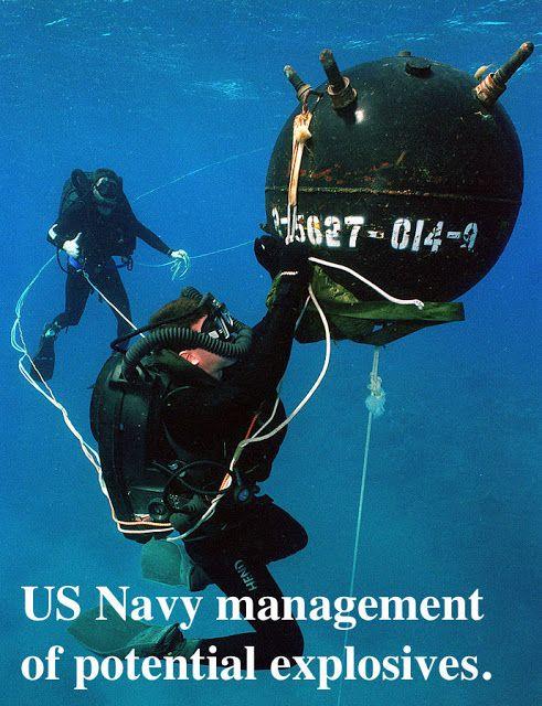 EOD US Navy Explosive Ordnance Disposal Special Operation School Para SCUBA 4in