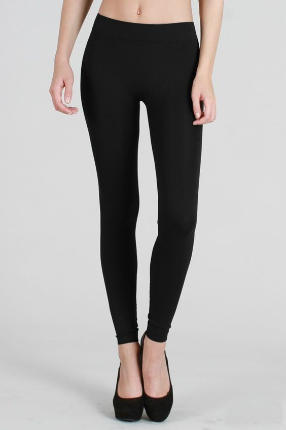 Nikibiki Solid Thick Leggings in Black