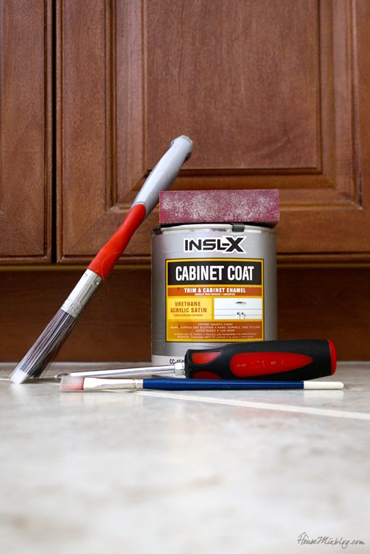 Tools you need to paint your bathroom cabinets