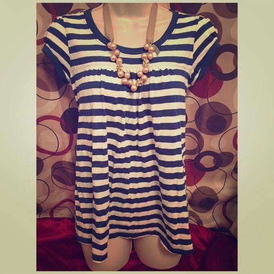 ❤️SALE❤️Romeo & Juliet Couture navy and white top Romeo & Juliet Couture navy and white striped short sleeve top. Worn twice and in excellent condition. Size small. Bundle to save!$           NO TRADES. USE OFFER BUTTON TO NEGOTIATE. Romeo & Juliet Couture Tops