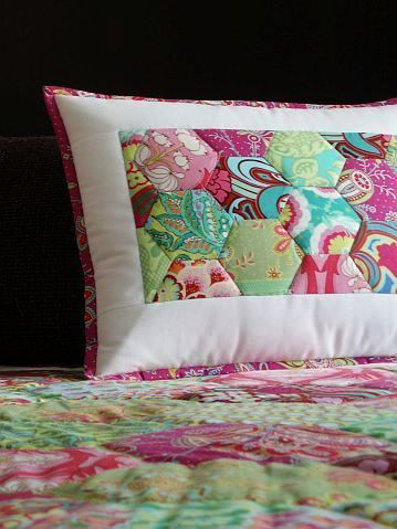 MyWay: Hexagon pillow
