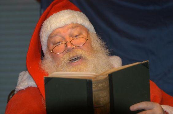 Andreas Oberliessen ( Socken Seppl Hagen ) hier als Nikolaus beim verlesen der kleinen Sünden der Kinder
