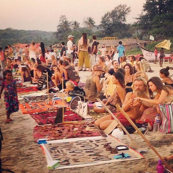 Risultati immagini per hippies india