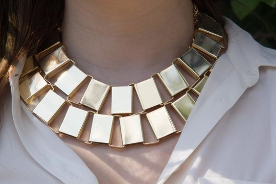 http://www.starkravingchic.com/blog/2015/8/16/back-to-basics-with-some-flare-featuring-bijoux-usa-set