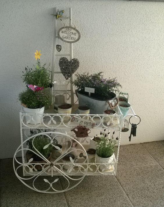 Schmiedeeisener Barwagen umgewandelt zum Blumenwagen ;)
