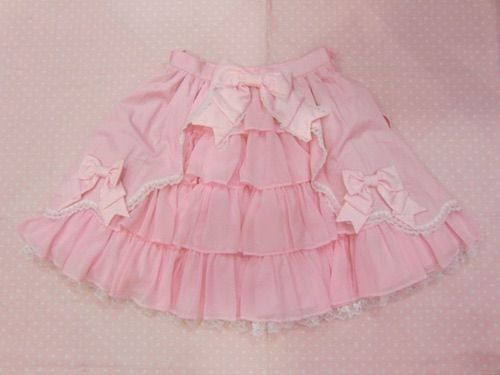 Image via We Heart It https://weheartit.com/entry/130412538/via/15609426 #bow #bows #cute #kawaii #pink #pretty #skirt
