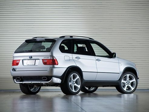 BMW X5 4.6is (2002 – 2003).