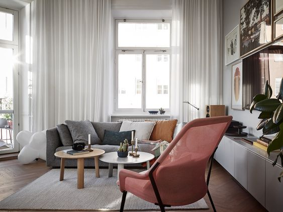 Eclectic, cozy and bright apartment in Stockholm - via Mur-Beton Design blog